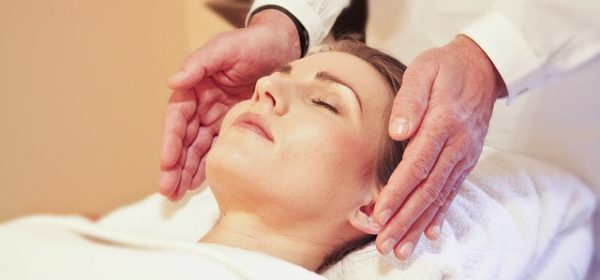 10 Amazing Health Benefits of Reiki
