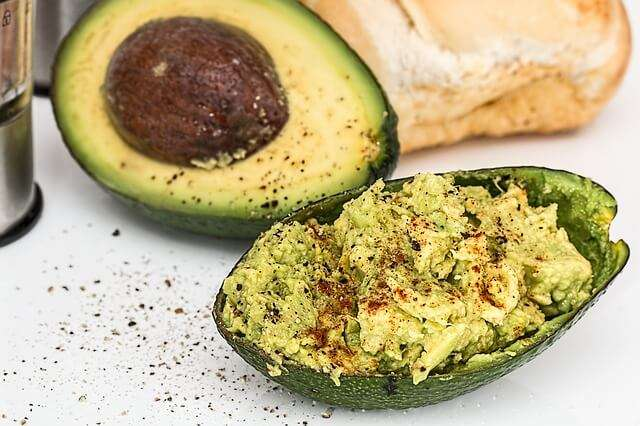 12 Amazing Health Benefits of Avocados