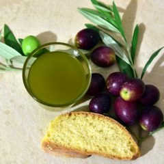13 Impressive Health Benefits of Olives